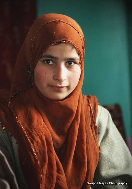 kashmiri girl at gulmarg